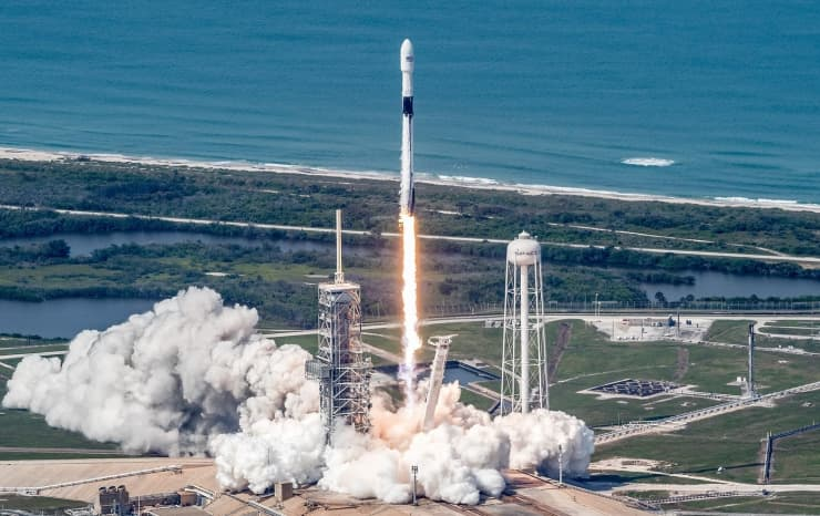 SpaceX valuation rises to $33.3 billion as investors look to satellite opportunity