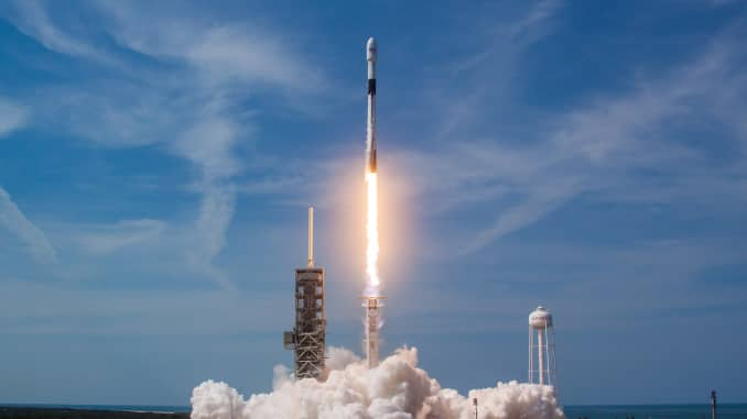 Handout: SpaceX Falcon 9 Block 5 first launch 180515