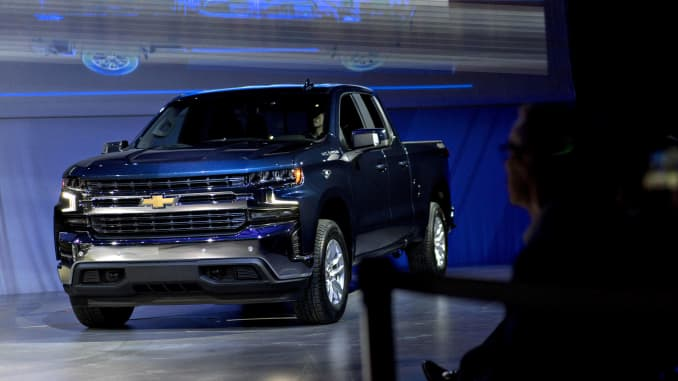 Luxury car owners trade up for US pickups as Ford, GM
