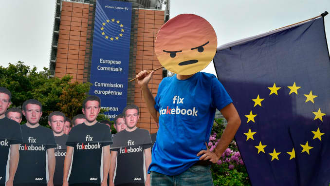 GP: Facebook EU Parliament protest 180522