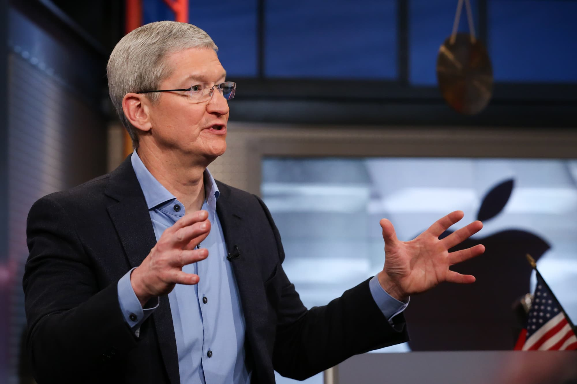 Apple's AI strategy: devices, not cloud