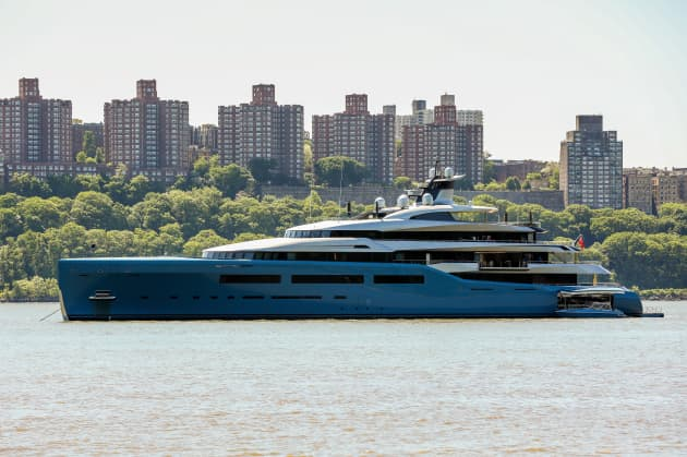 Who S Superyacht Is Sitting In The Hudson