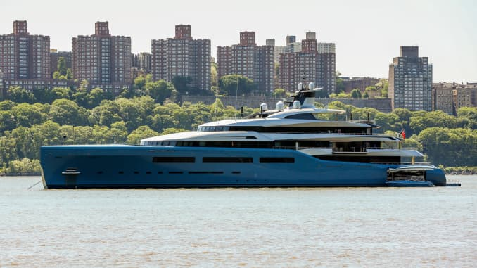 Who's superyacht is sitting in the Hudson?