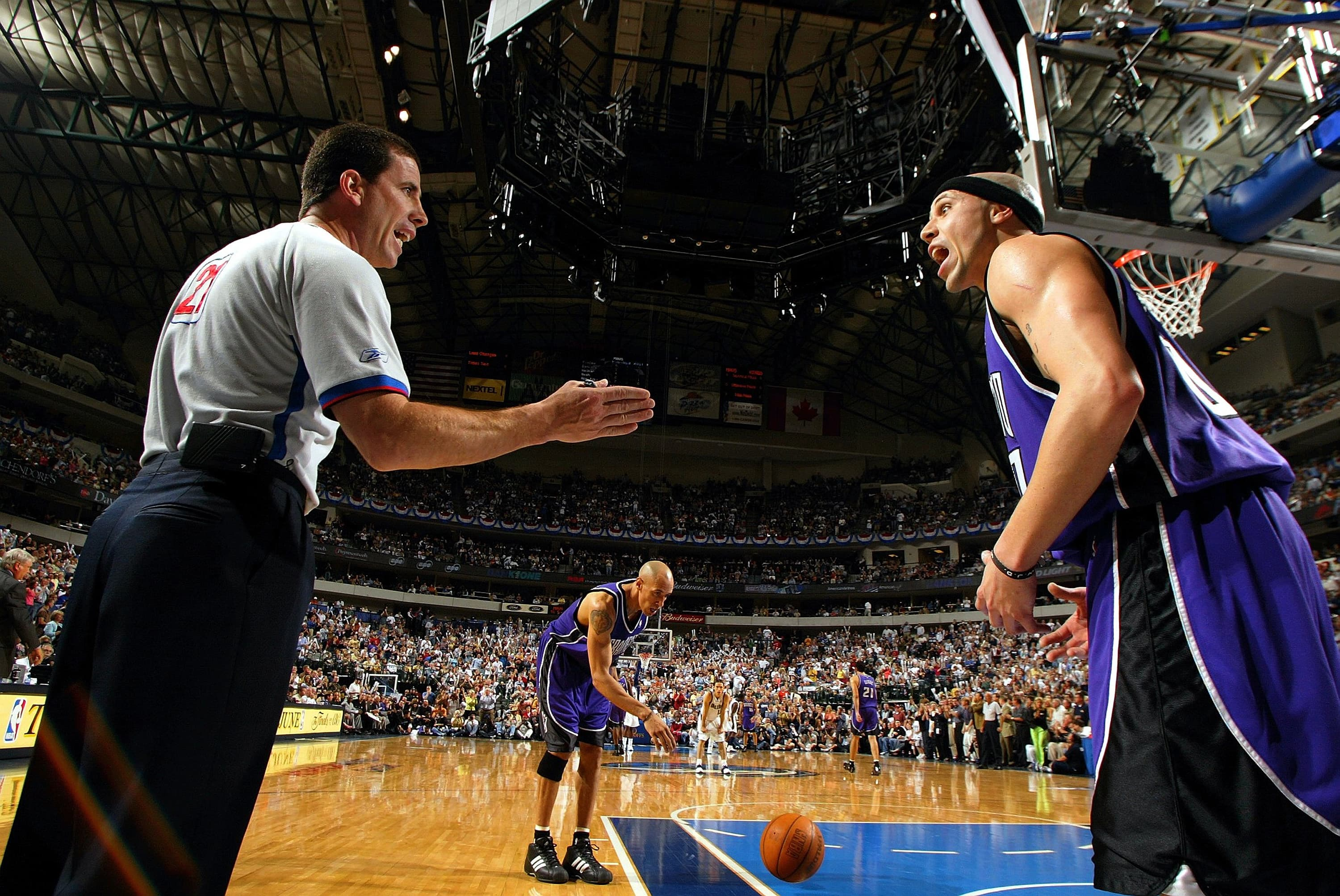 Nba referee fired for betting websites best indicator for 60 seconds binary options