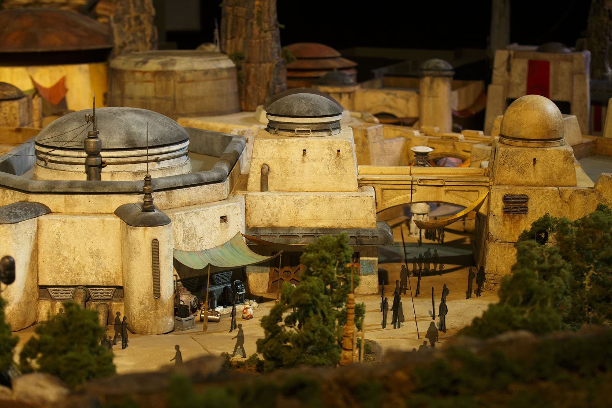 New 'Star Wars' attractions set to open at Disney theme parks in 2019