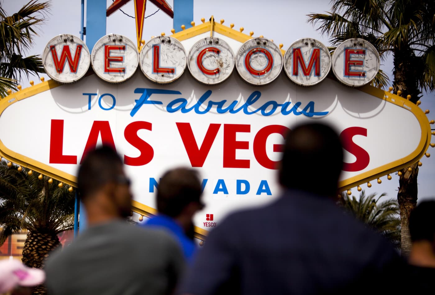 Travel Guide Where To Save And Splurge In Las Vegas