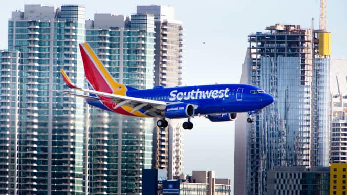 Premium: Southwest Airlines plane landing 170303