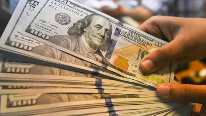 Dollar posts biggest 2-day drop in a year as Fed sparks hedge funds rout