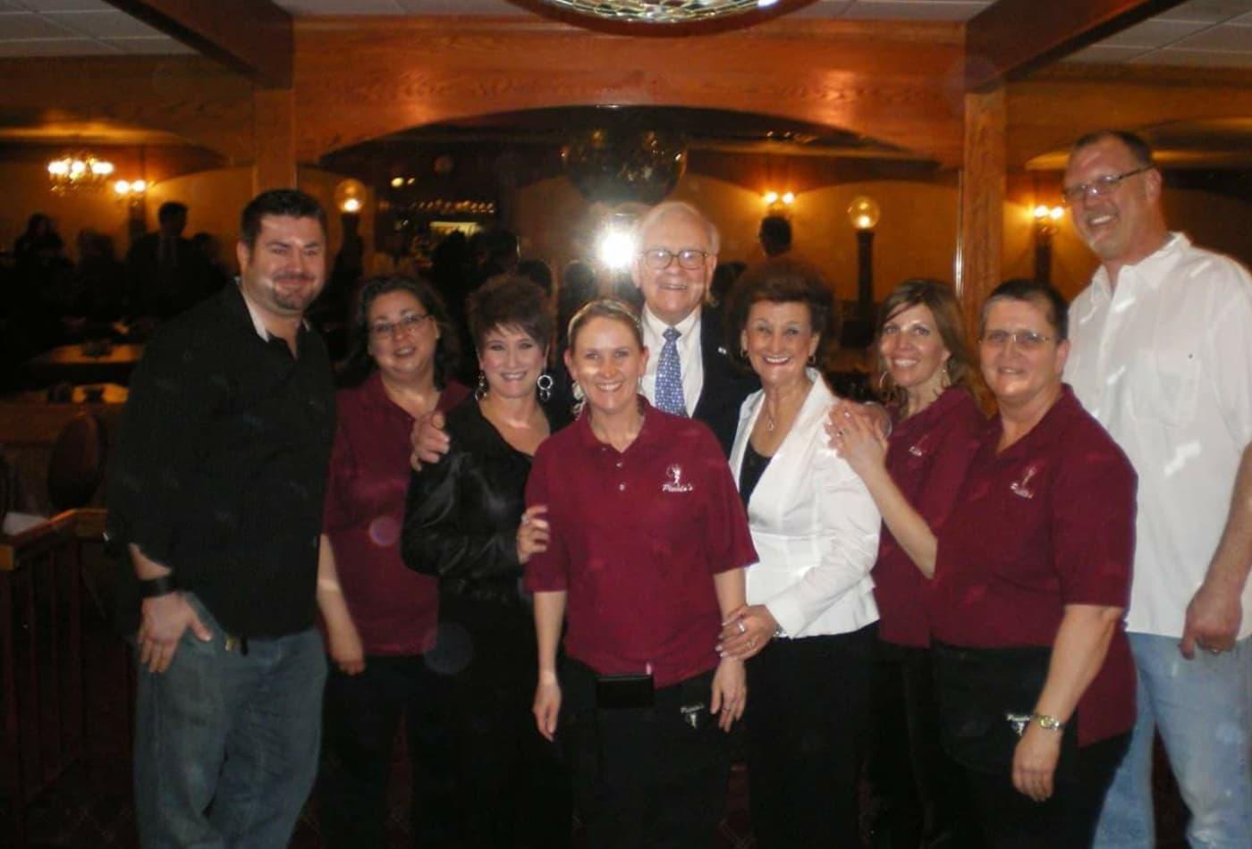 What An Omaha Waitress Learned From Serving Warren Buffett For Years