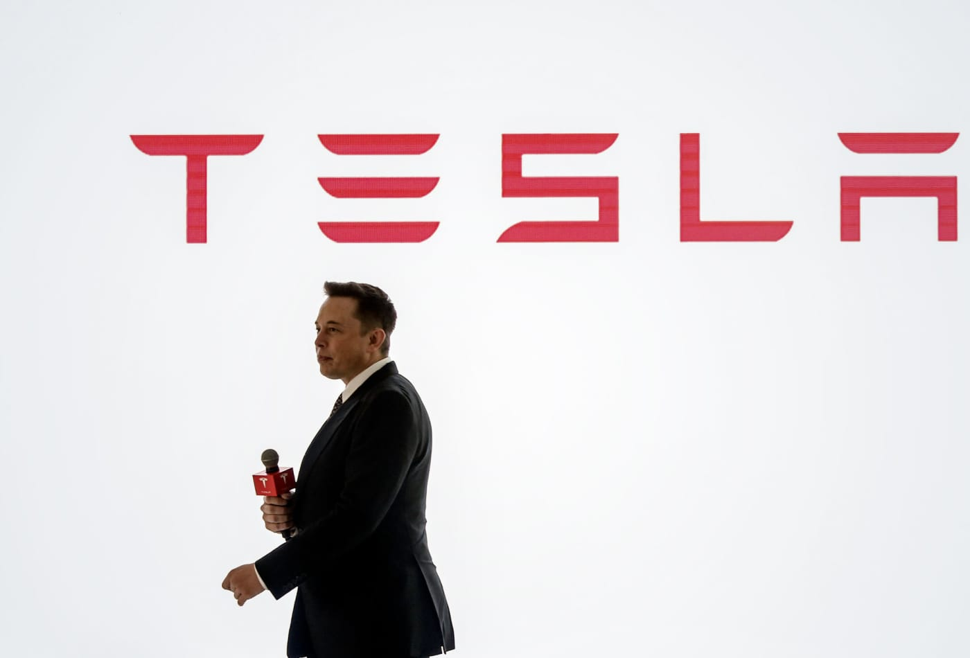 Cramer sees 'huge positives' on Tesla's Battery Day, tells investors to be patient on stock