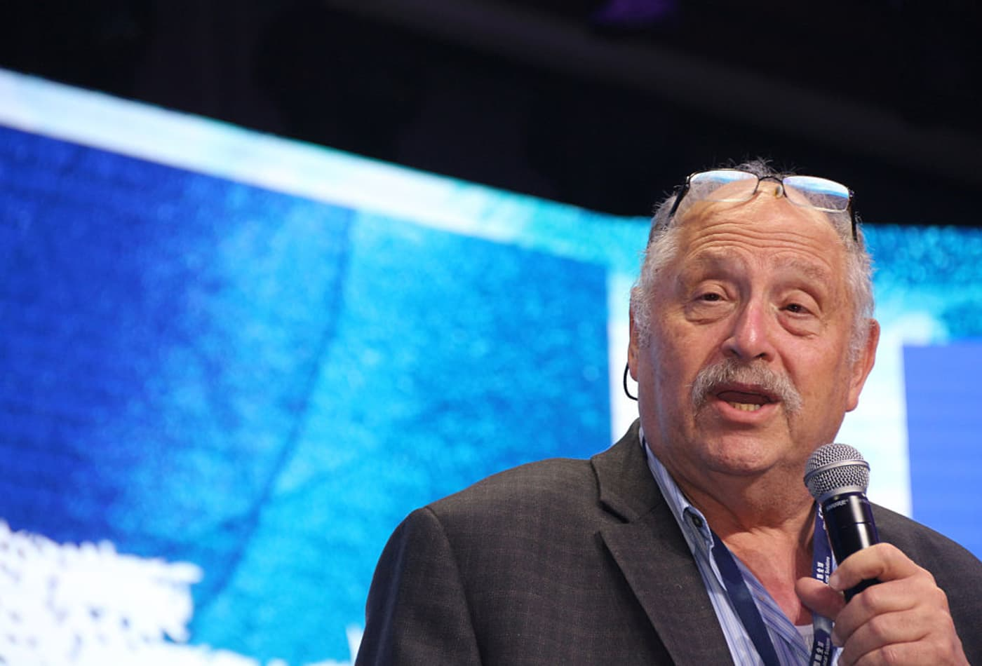 Investment tips from Israeli tech godfather Yossi Vardi, ICQ messenger