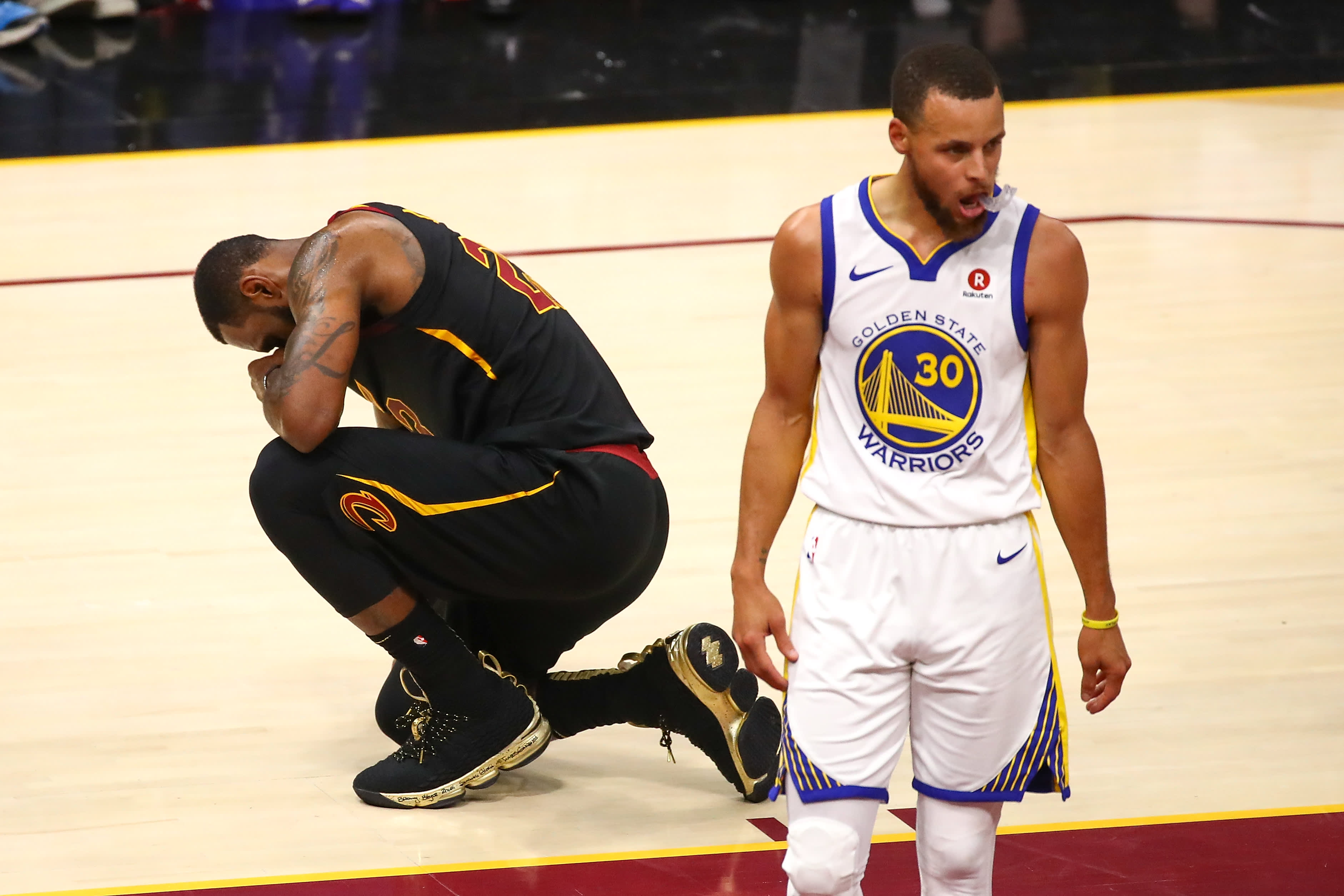 a563430b166 Warriors complete sweep of Cavaliers for third NBA title in four years