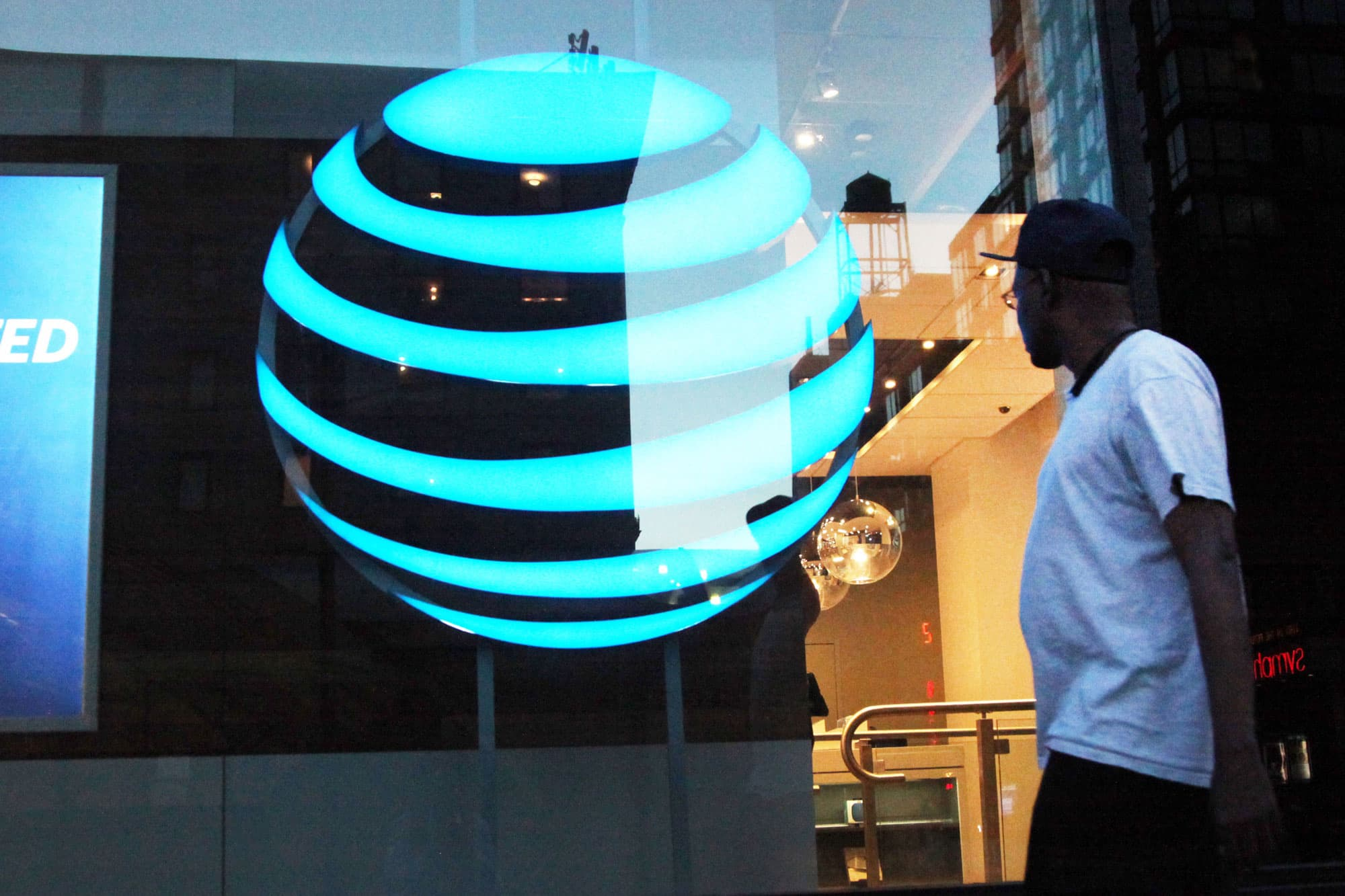 AT&T to pay $60 million over US allegations it lied in its 'unlimited data' promises