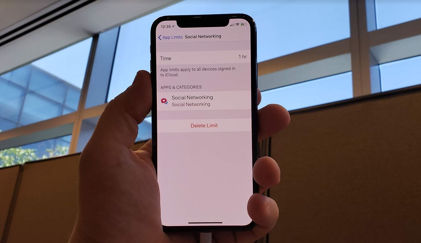 CNBC Tech: iOS 12 app limits