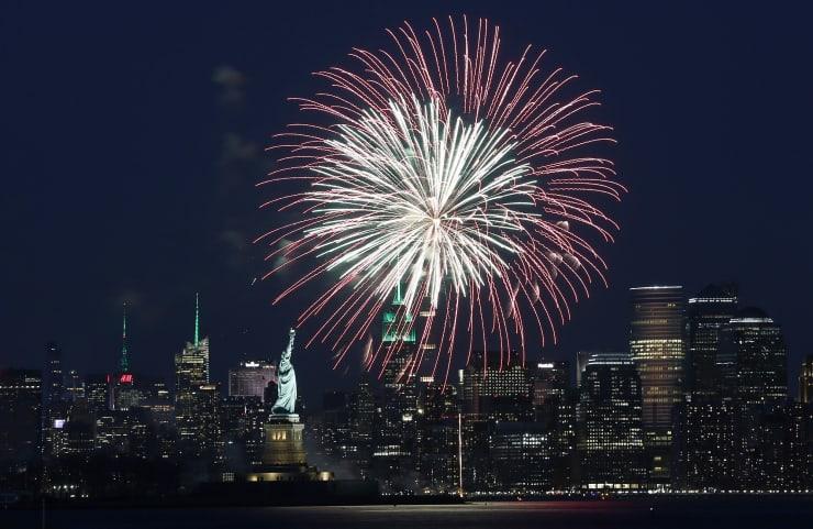 PREMIUM: Fireworks NYC