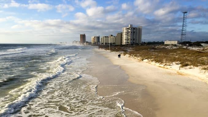 Authorities warn as sea lice invade beaches in northwest Florida