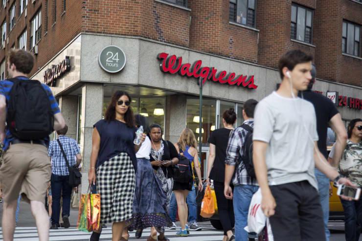 GP: Walgreens and pedestrians 150610