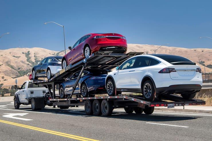 GP: Tesla cars leaving factory 180620