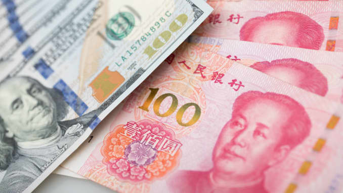 China Is Letting Its Currency Decline