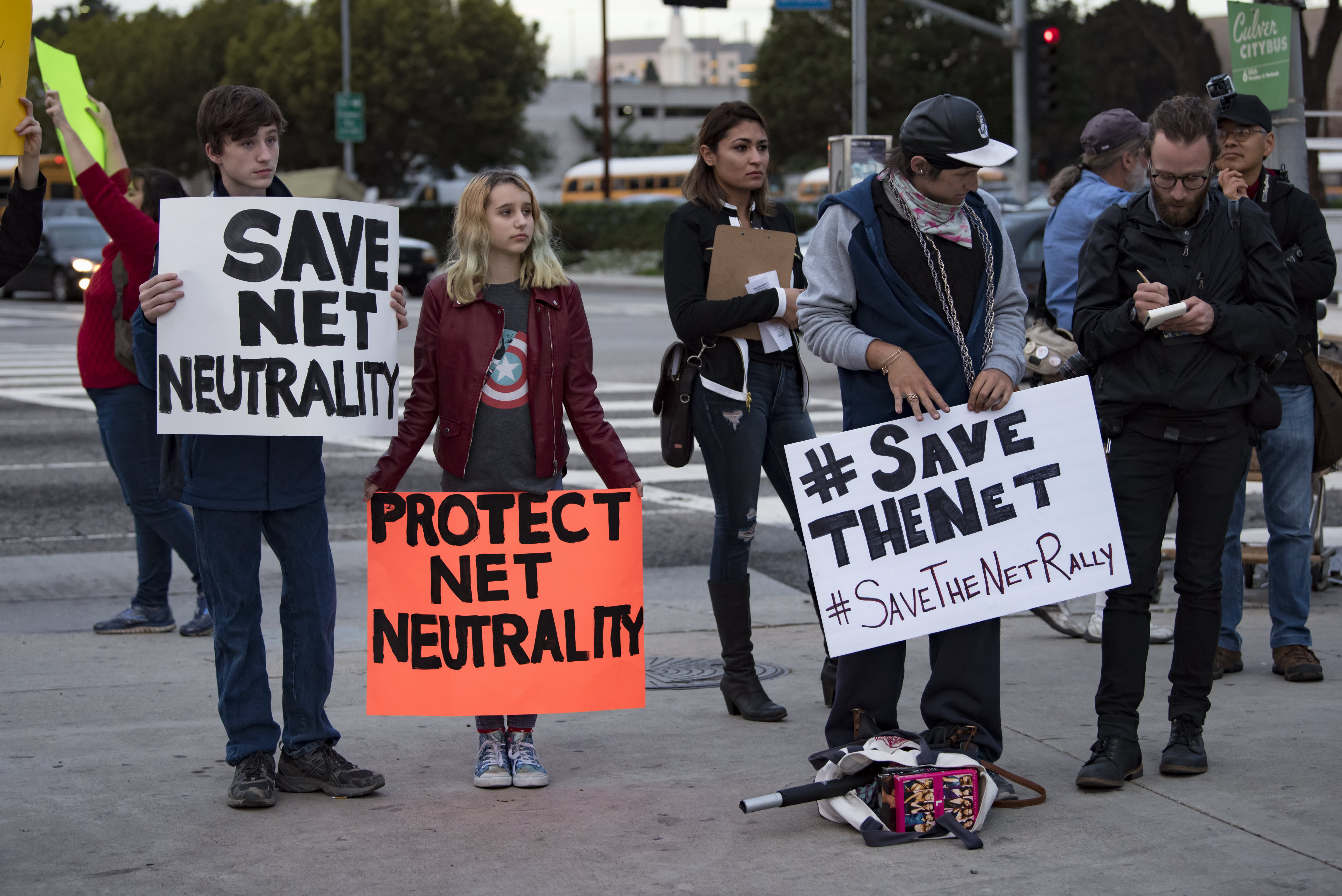 enforces net neutrality laws - HD 5370×3585
