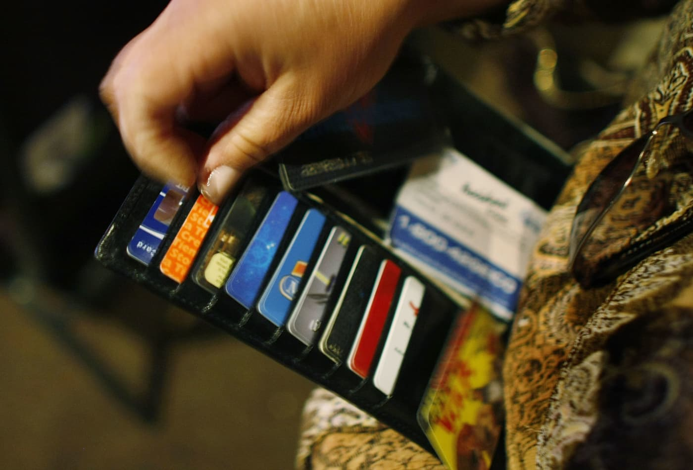 Here's how many credit cards people with excellent credit