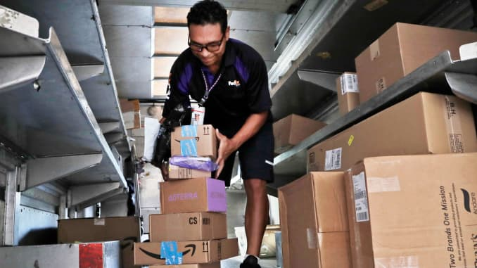 Amazon, FedEx end shipping contract in US