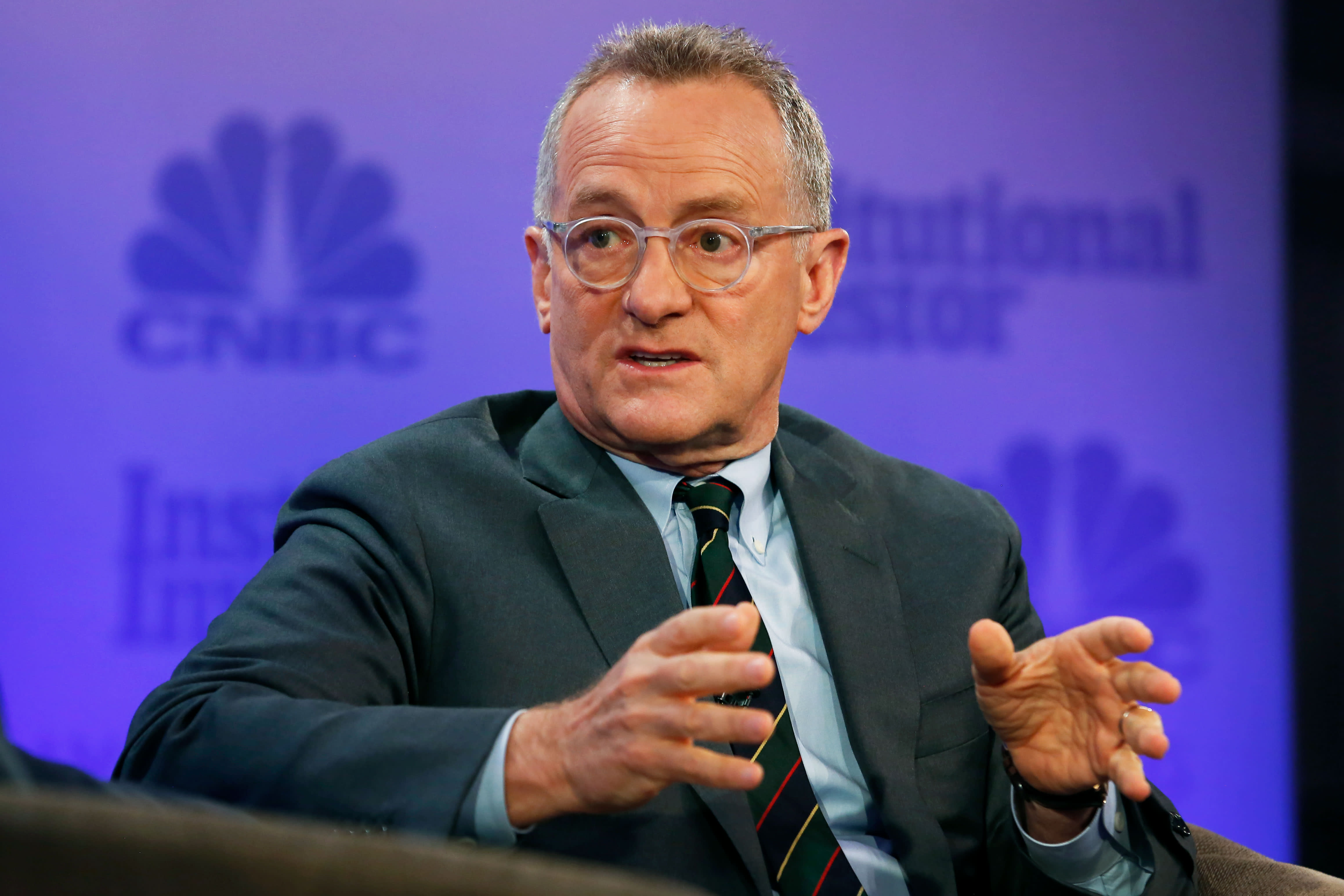 Billionaire investor Howard Marks says investors are 'not discriminating' between stocks as market sells off