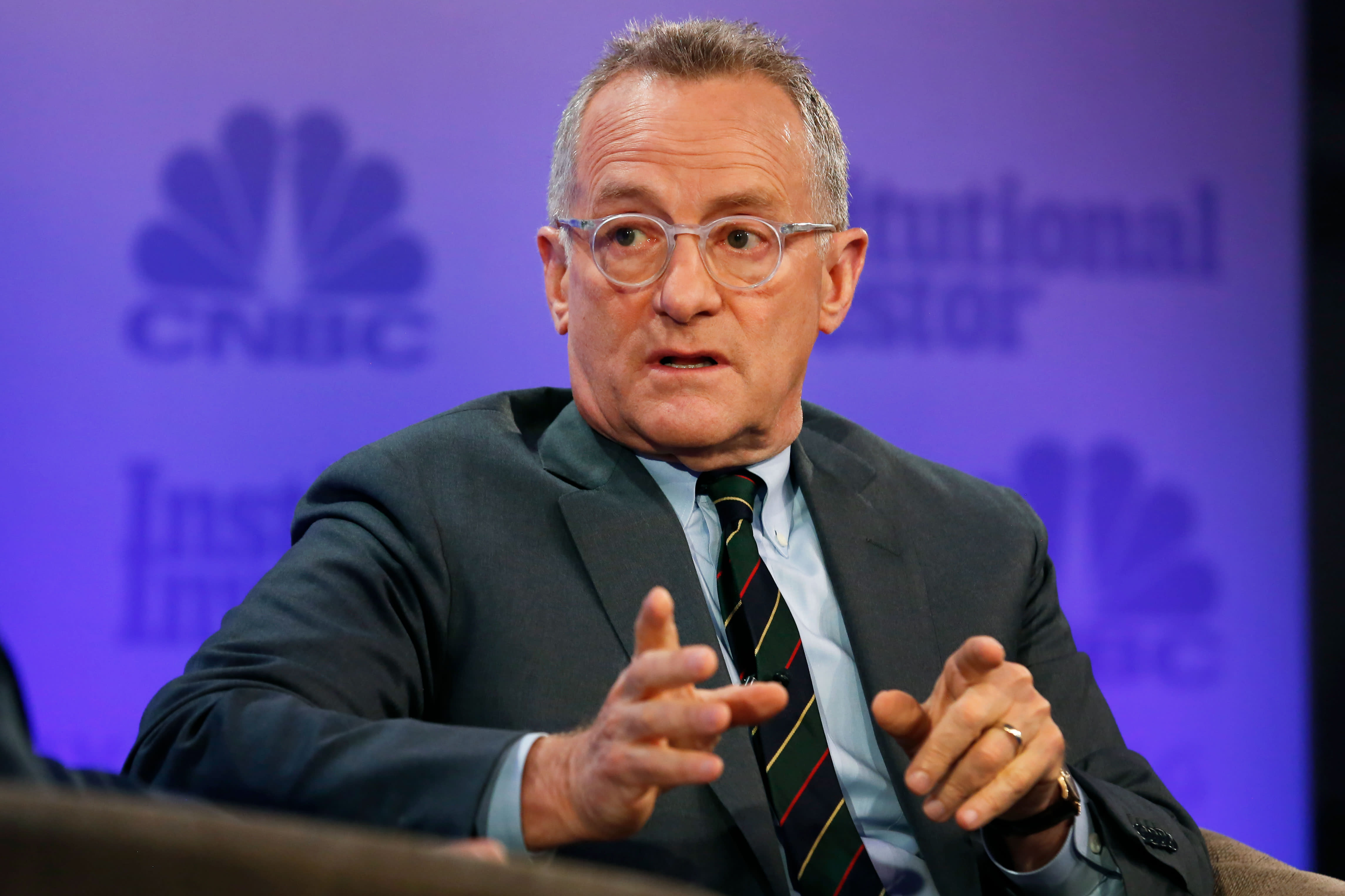 Billionaire investor Howard Marks says we're not in a bubble, but there are reasons to take less risk