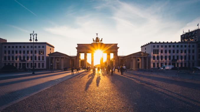 GP: Brandenburg Gate during sunset