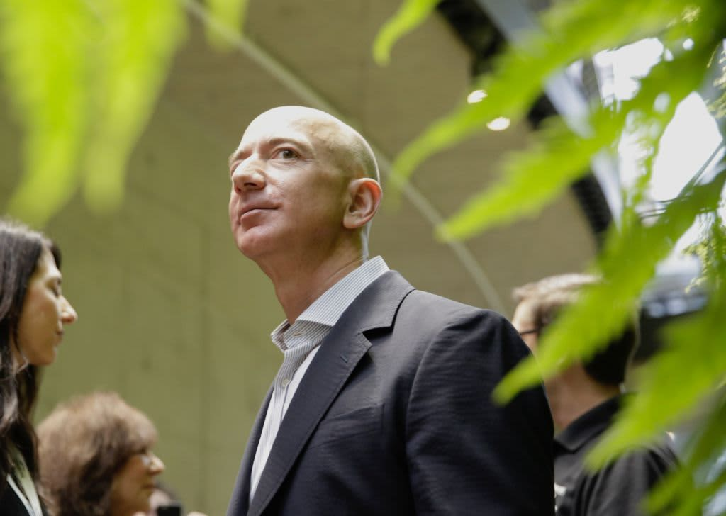 Here's what every major analyst had to say about Amazon's plunge: 'Wait for the dust to settle'