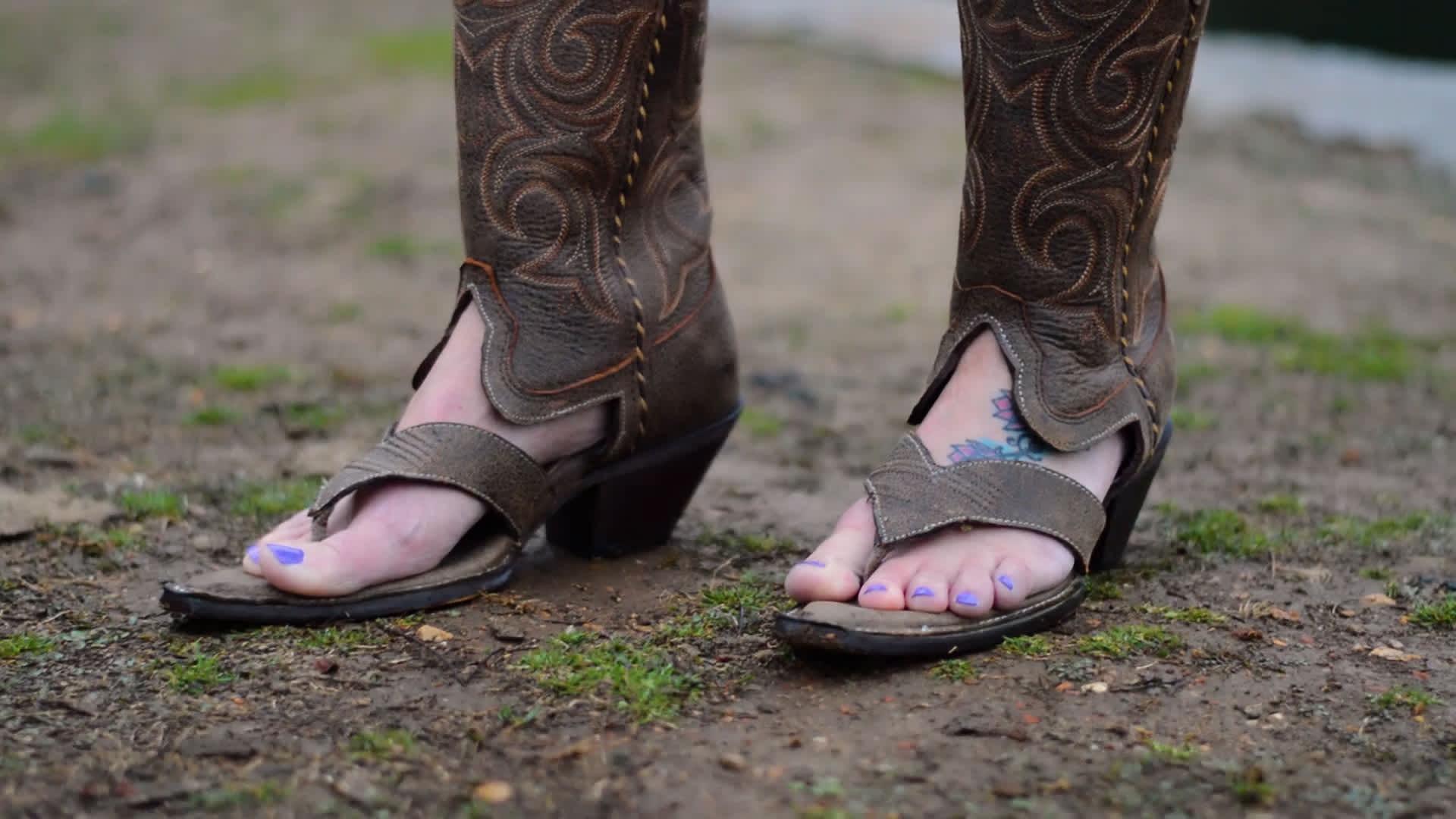 godere del prezzo di sconto bello economico data di rilascio: Making 'Redneck Boot Sandals' became former sheriff's full-time job
