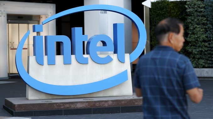 Intel, TPG in talks to sell McAfee to Thoma Bravo