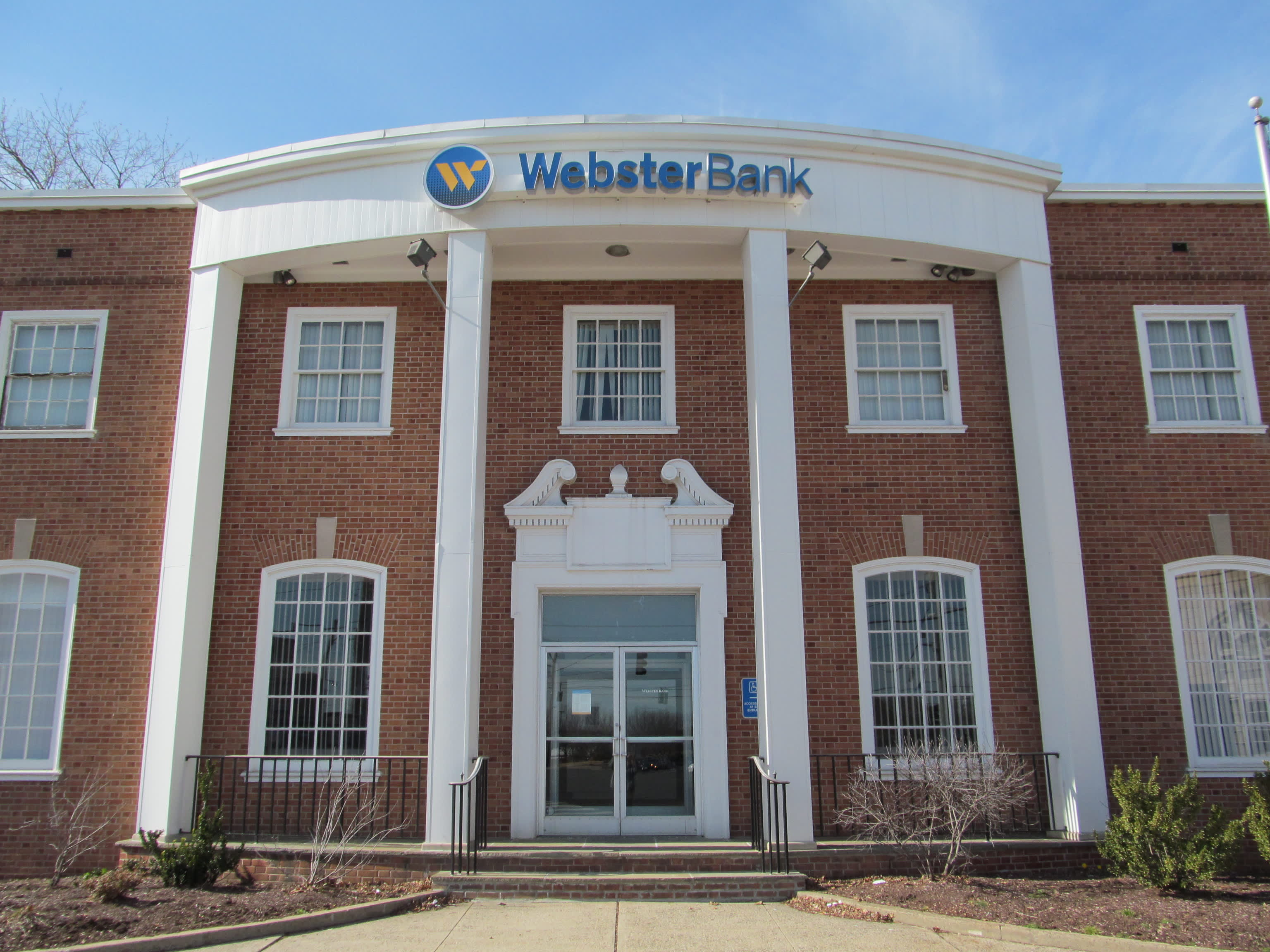 Webster Bank branch in Hamden, CT
