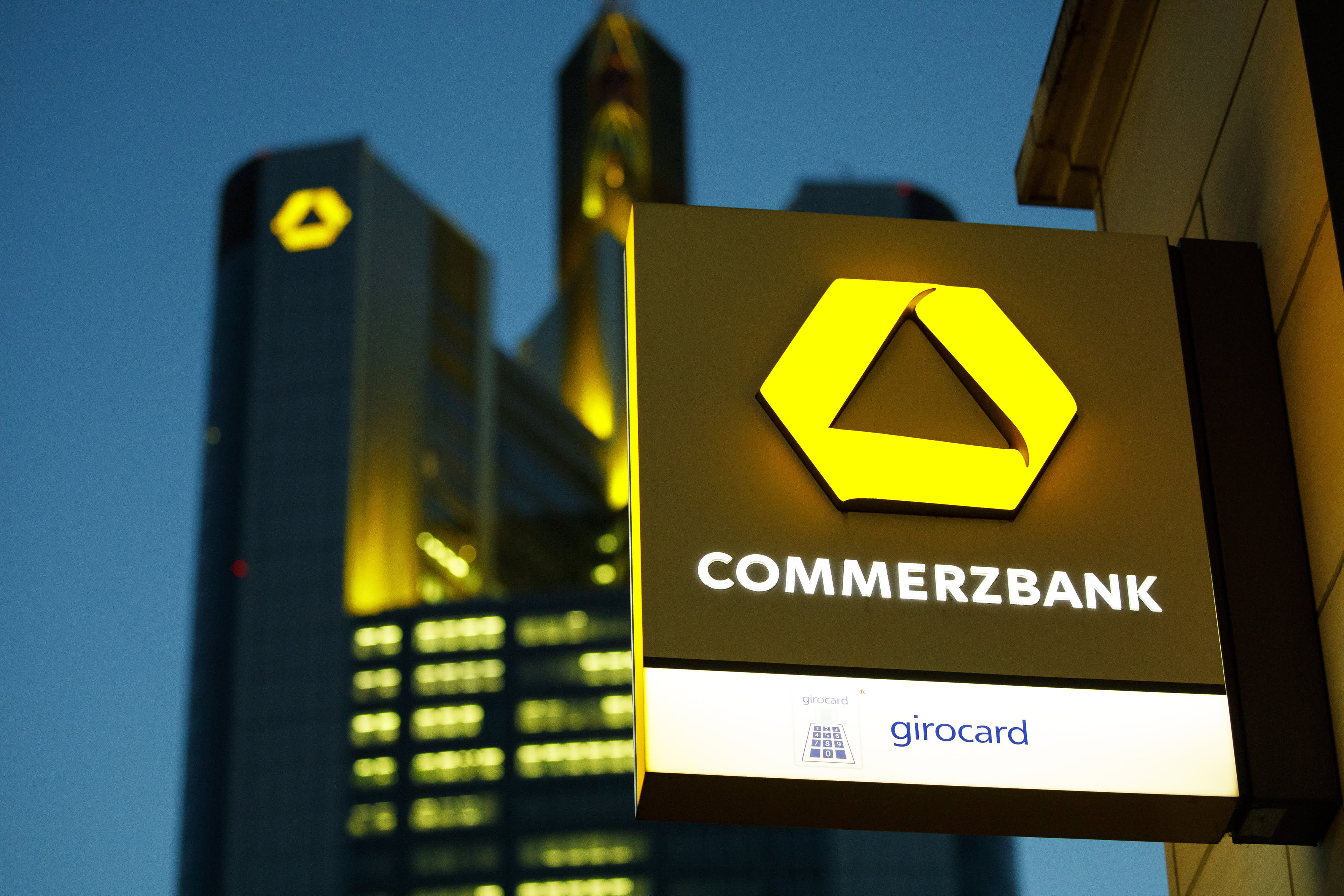 Commerzbank cuts revenue forecast as board approves overhaul