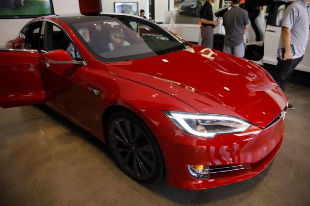 Gp The Tesla Inc Newport Beach Showroom As Model S Target