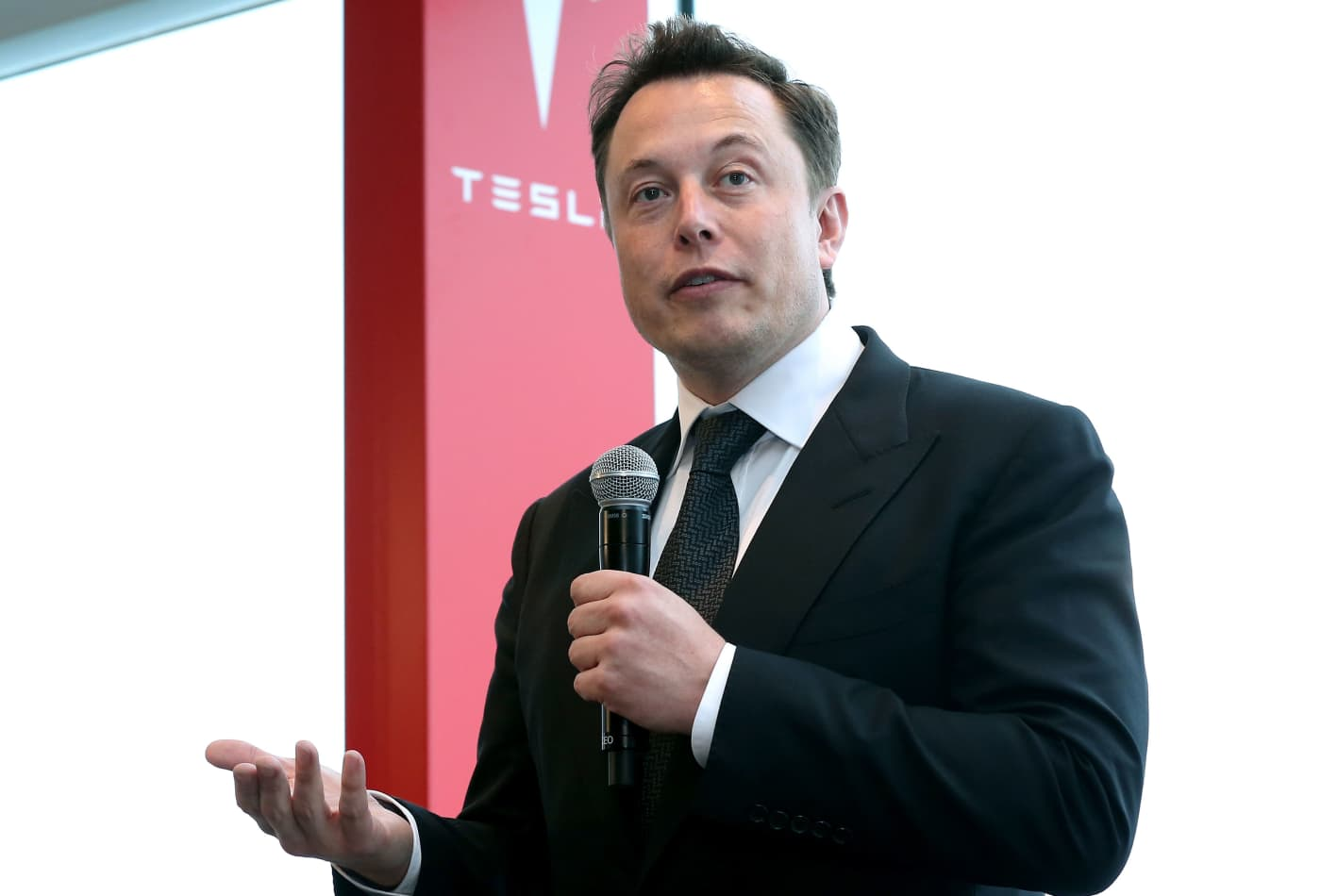 Morgan Stanley raises its 'bull case' on Tesla to $1,200