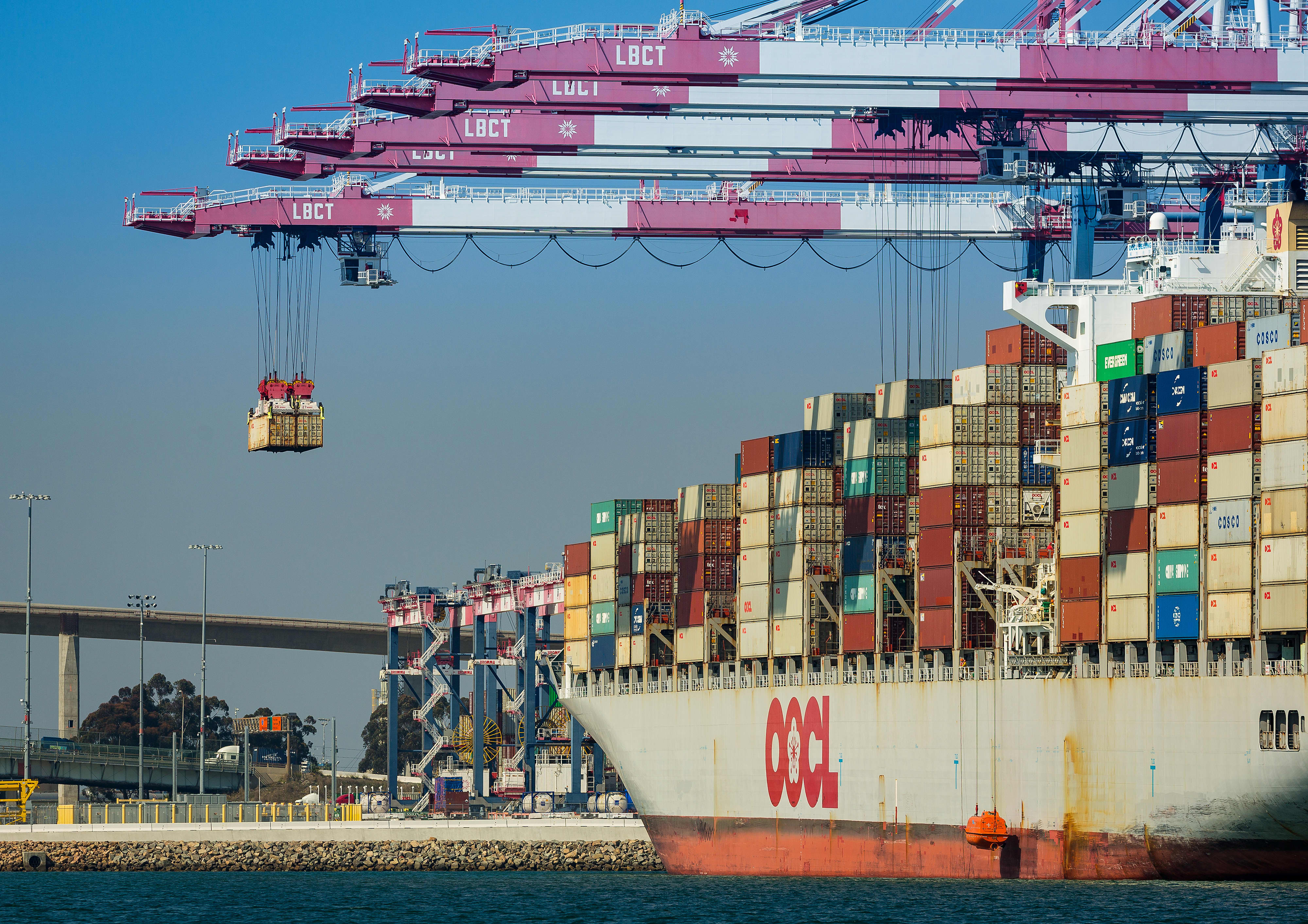 How do tariffs work?
