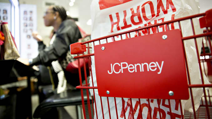 GP: J.C. Penney Co. Store  Ahead Of Earnings Figures