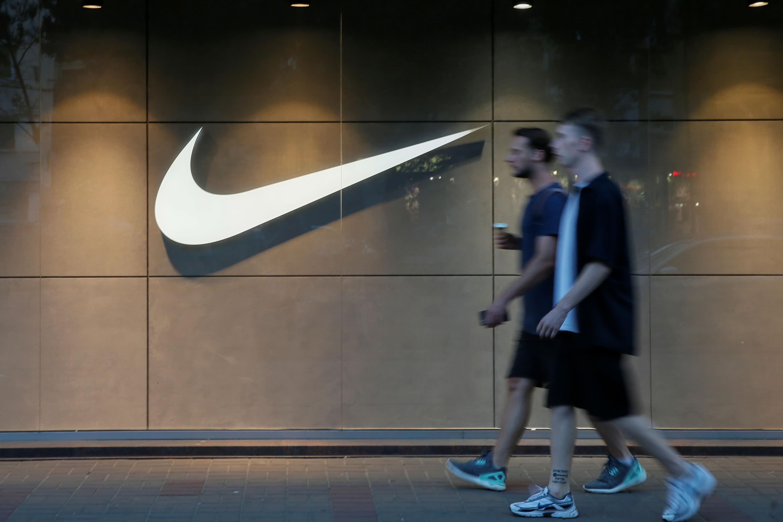 banco Curso de colisión Elucidación  Nike (NKE) reports fiscal Q1 2020 earnings