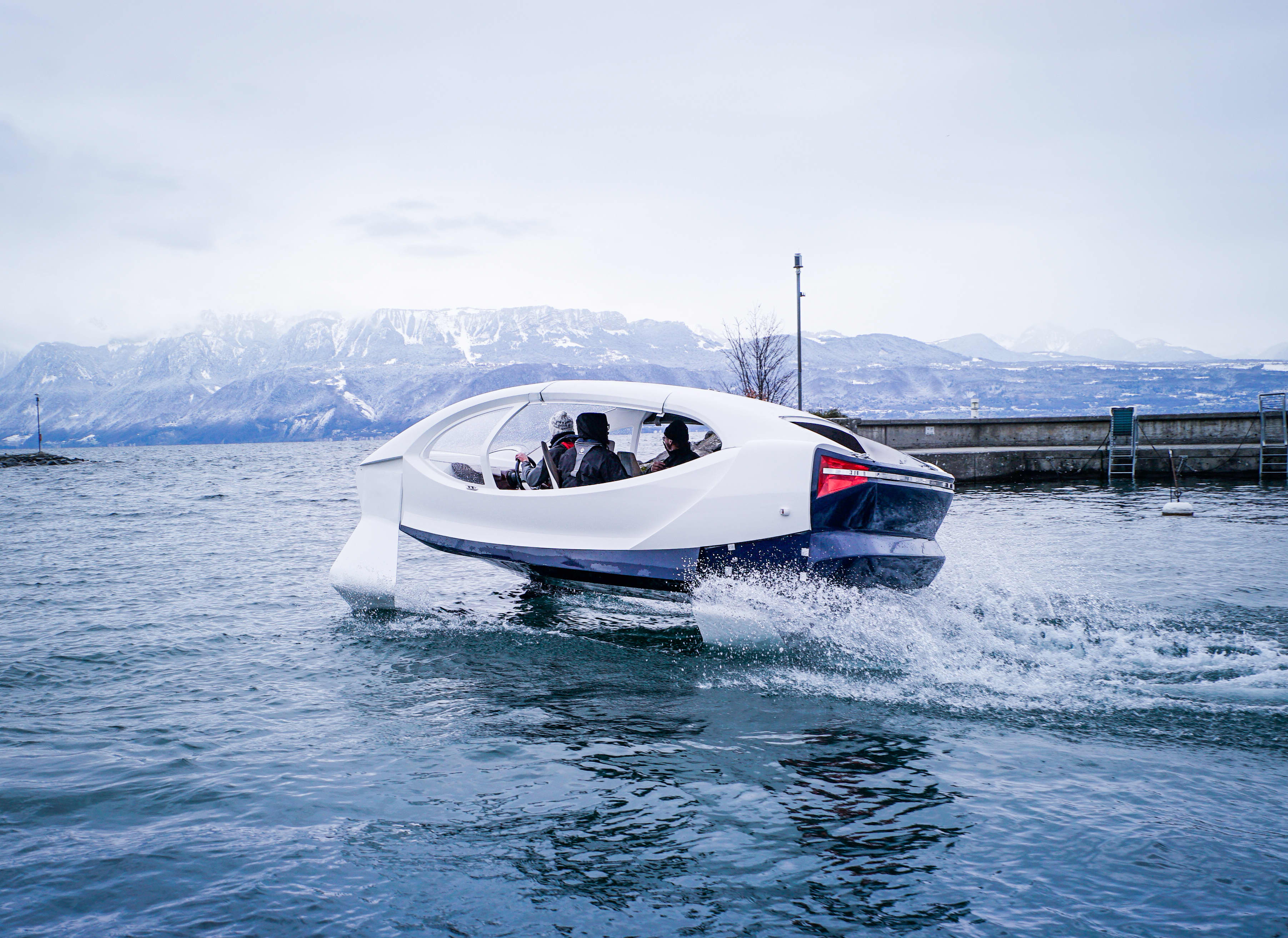 SeaBubbles' hydrofoil taxi could save you from sitting in