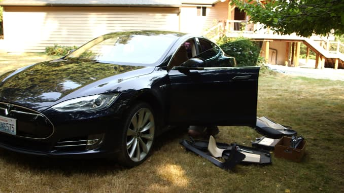 Tesla owner frustrated so fixes his own Model S: easy as 'Legos'