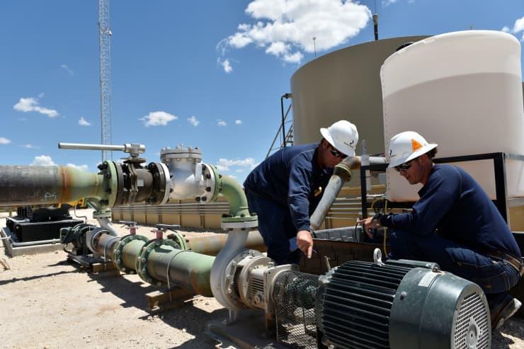RT: Oil operationsPermian Basin near Midland, Texas 180823