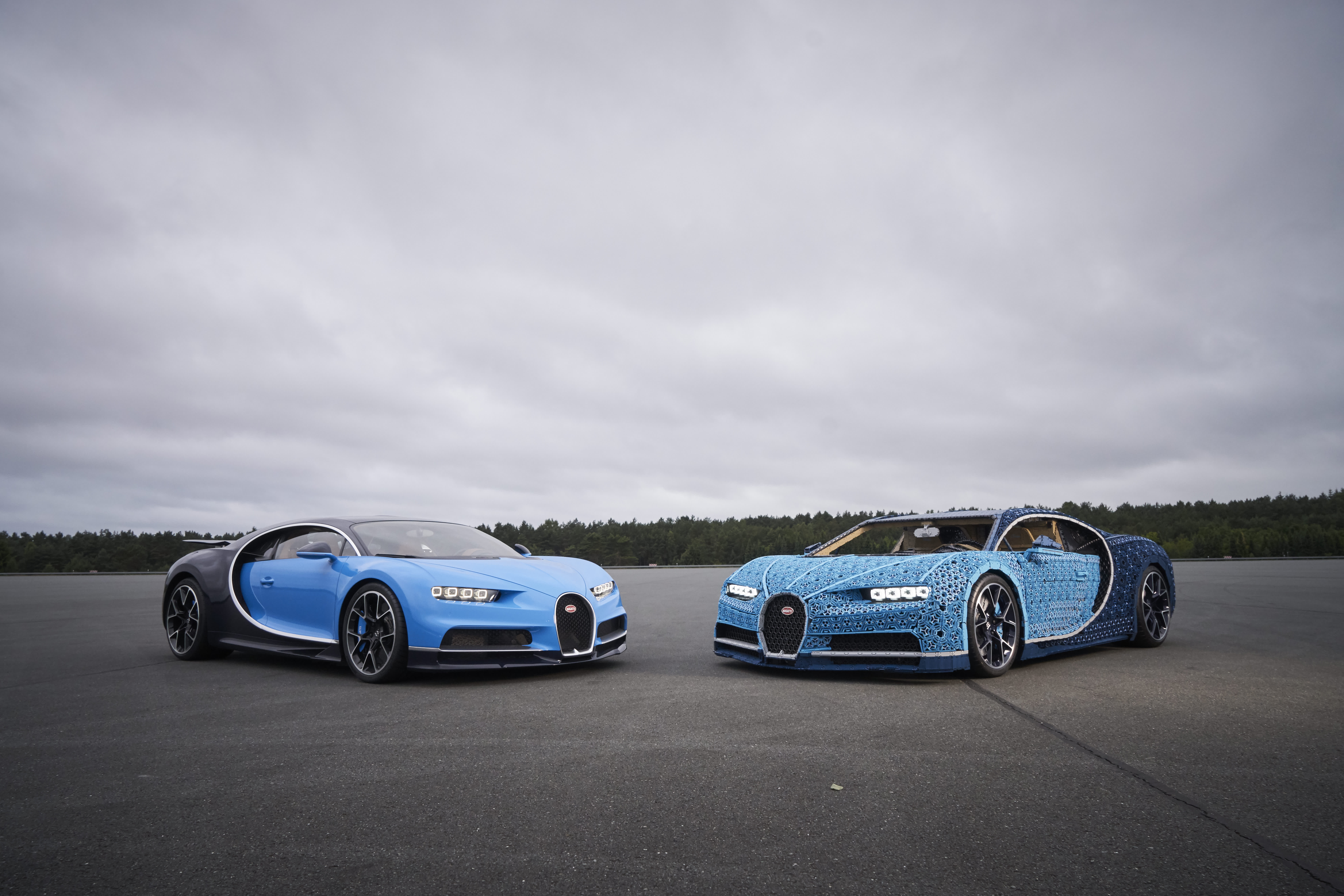 Photos A Bugatti Chiron Made Entirely Of Legos