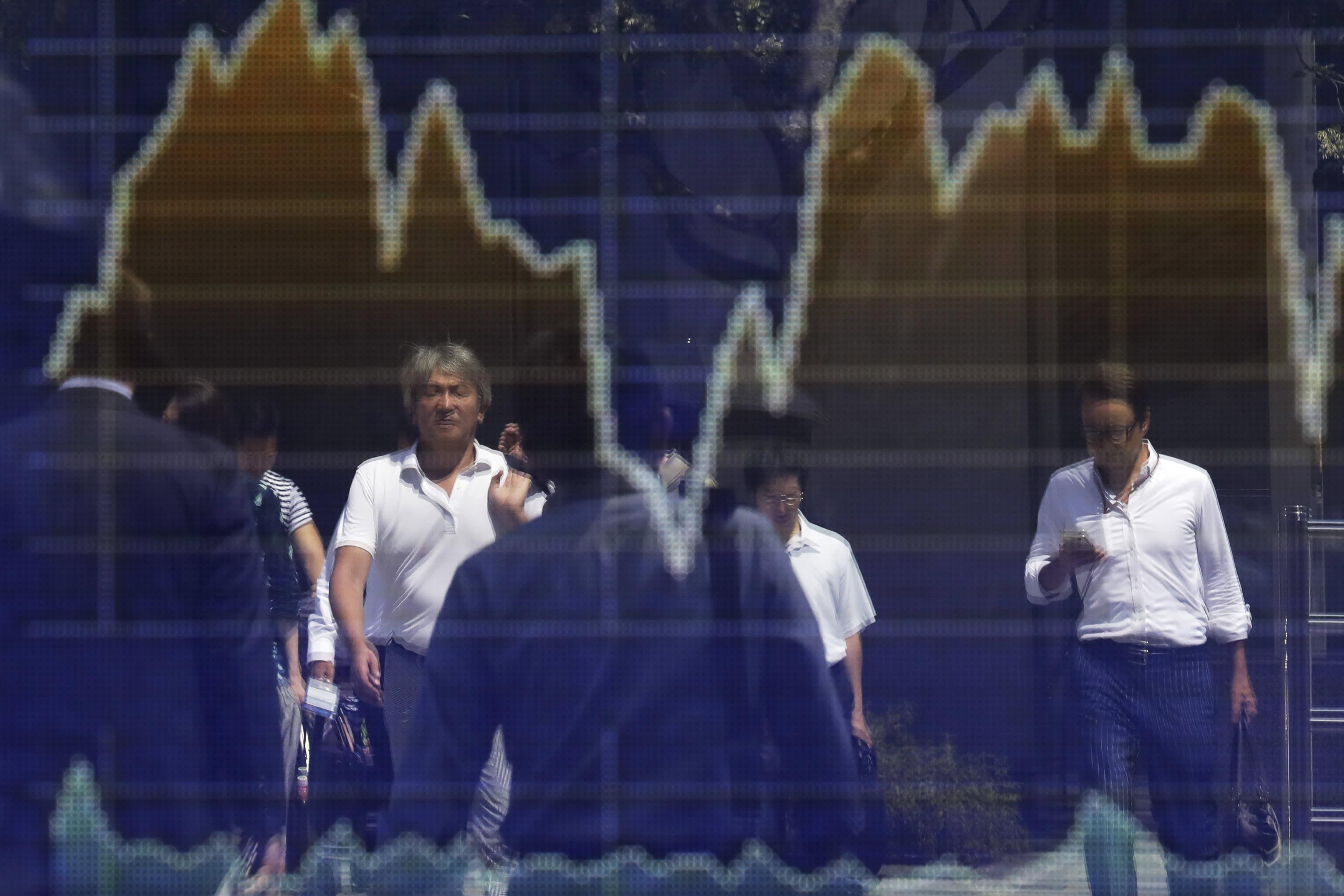 Asia stocks drop amid trade uncertainty; RBA rate decision ahead
