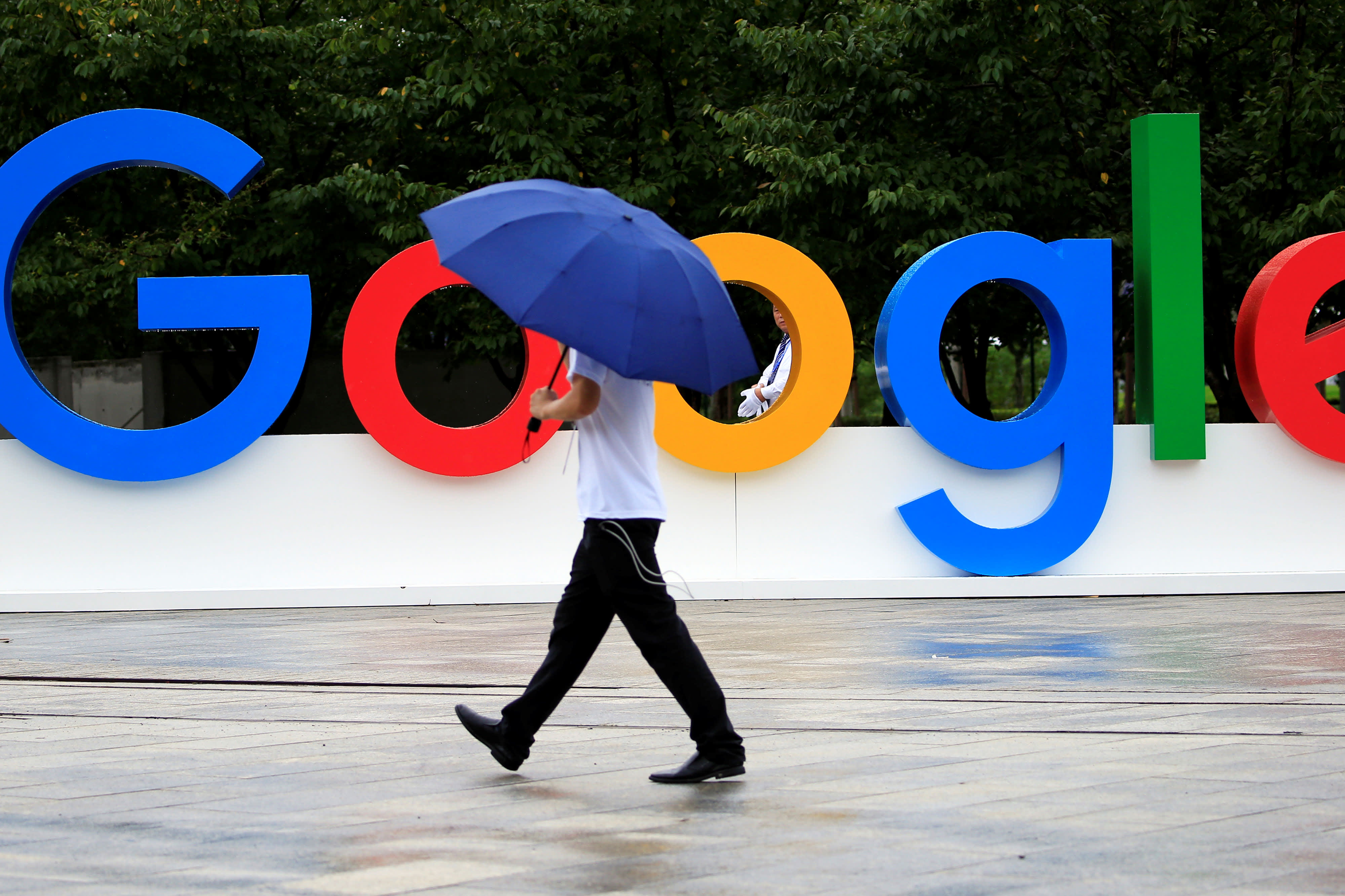 Cramer: Be wary of stocks that rally into earnings reports, like Google-parent Alphabet did