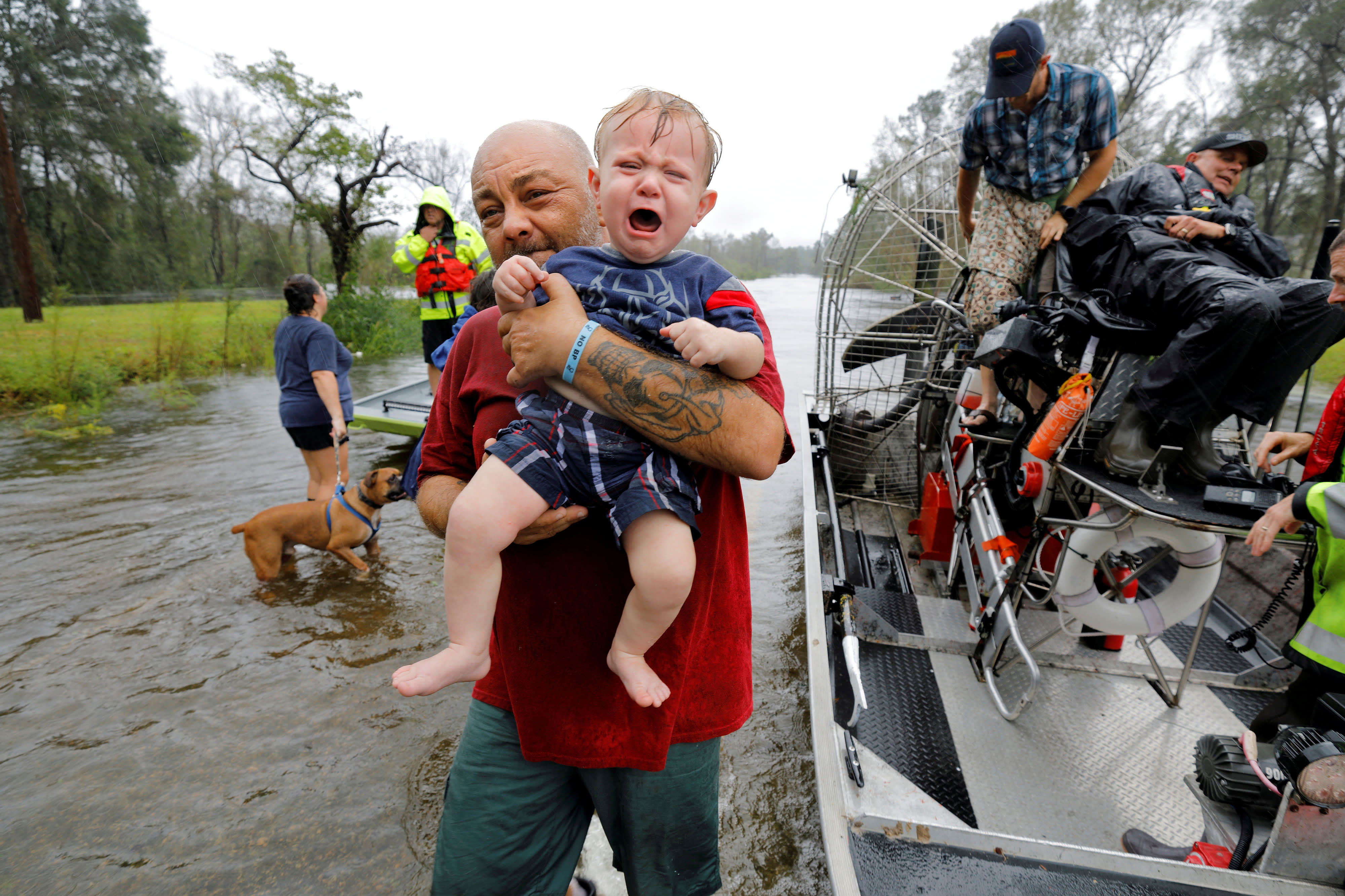 Worst flooding yet to come for waterlogged Carolinas