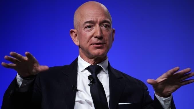 Who are Amazon's top executives 2019