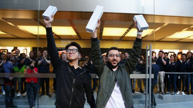 Apple increases trade-in value of older iPhone models
