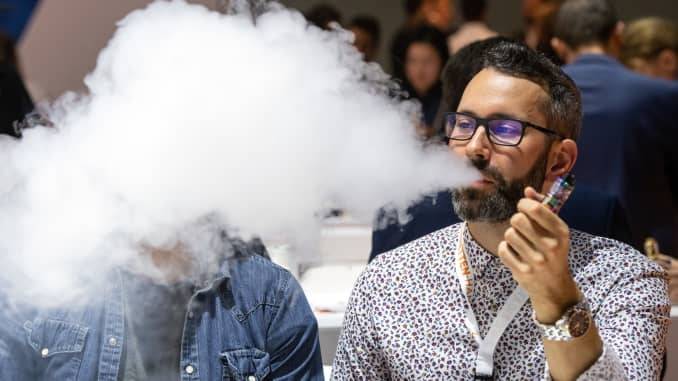 FDA weighs ban on online e-cigarette sales as vaping among