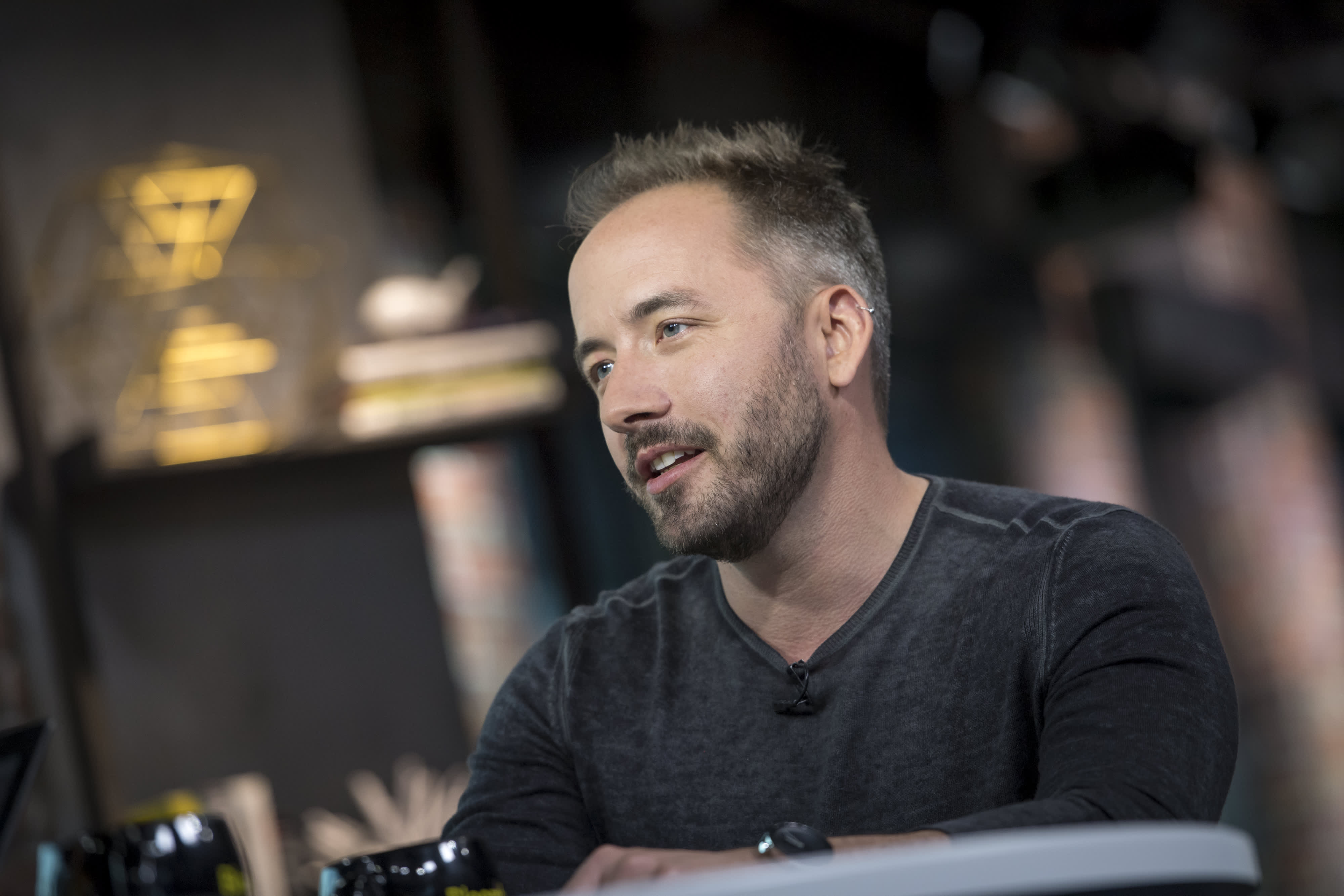 Dropbox shares plummet after user growth slows, but CEO still sees expansion ahead this year